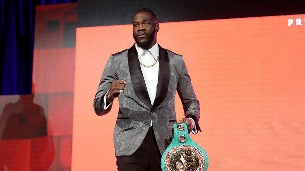 Mike Tyson menyebut Deontay Wilder sebagai juara dunia tinju terlemah.