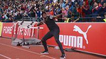 Aksi Usain Bolt Mengolah Kulit Bundar