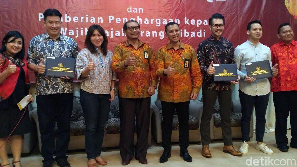 Taat Pajak, Ferry Salim hingga Susi Susanti Raih Penghargaan