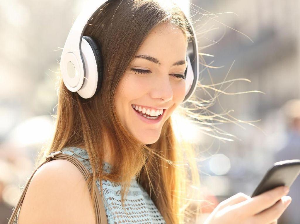 Riset: Stres Bisa Berkurang 65% Saat Mendengarkan Lagu dari Band Ini