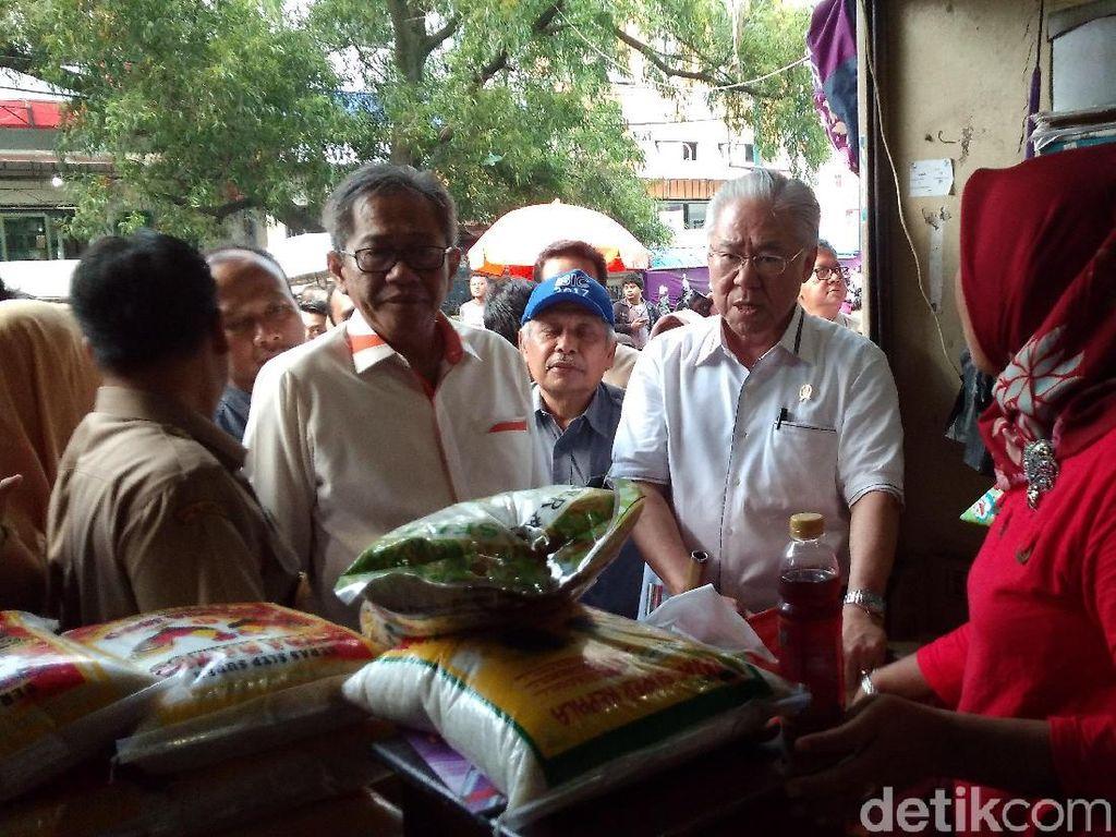 Blusukan ke Cirebon, Mendag: Belum Semua Pedagang Jual Beras Bulog