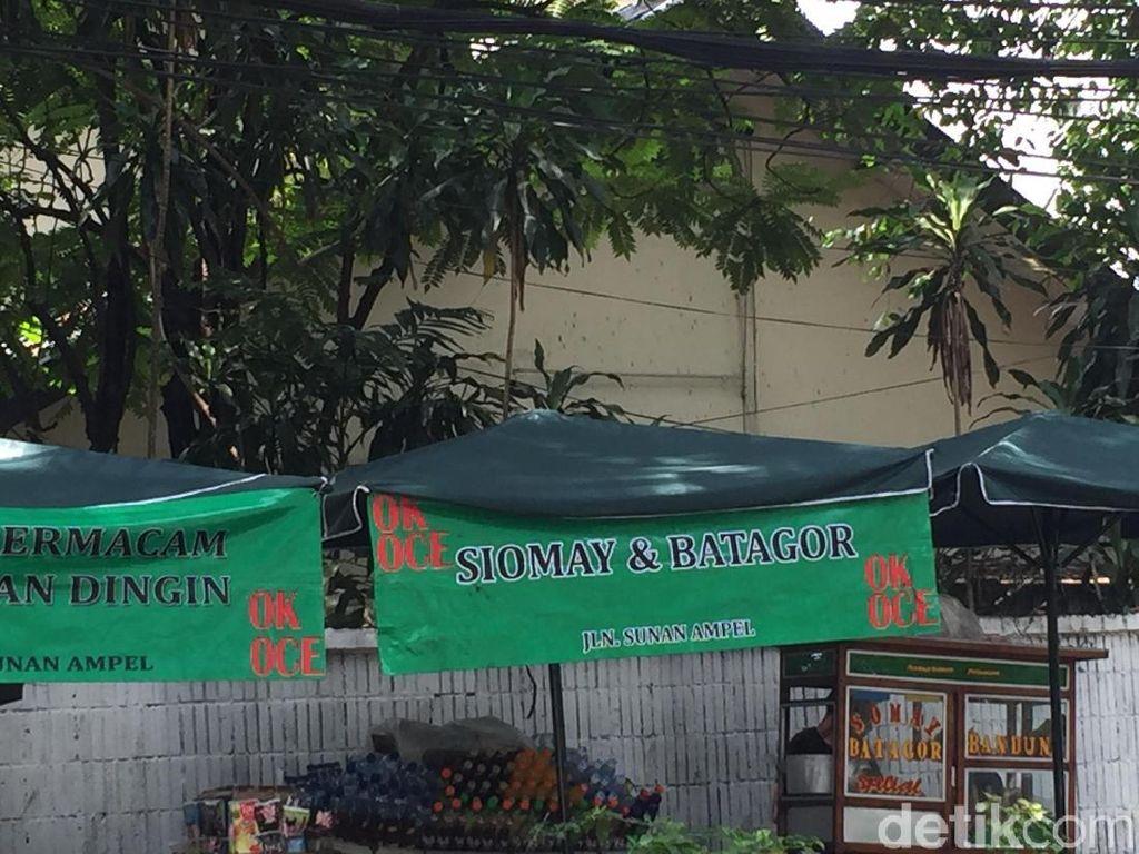 PKL di Trotoar Melawai Jakarta, akan Dipindah atau Dibiarkan?