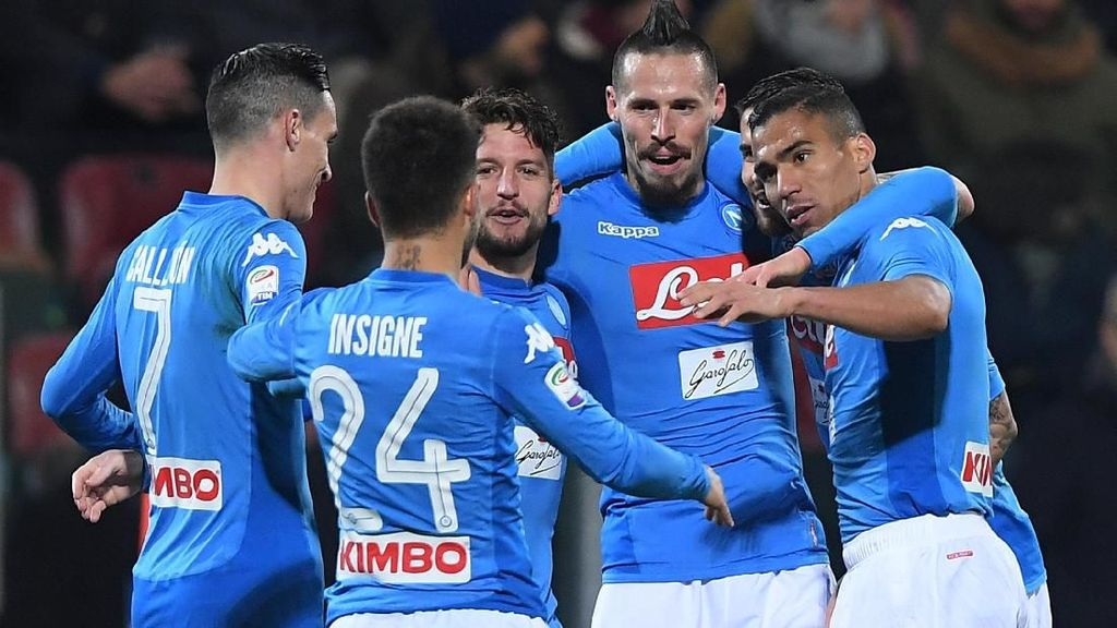 Napoli Kalem Saja Tunggu Juventus Terpeleset
