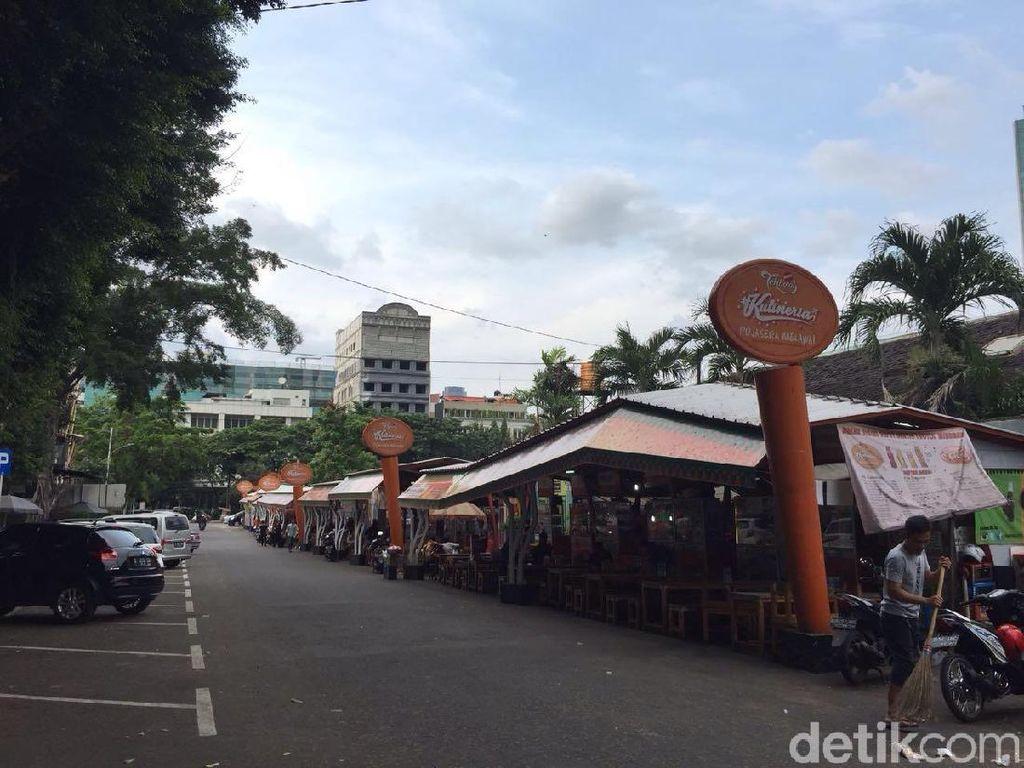 Melihat PKL yang Sudah Ditata Rapi di Jalan Melawai XIII