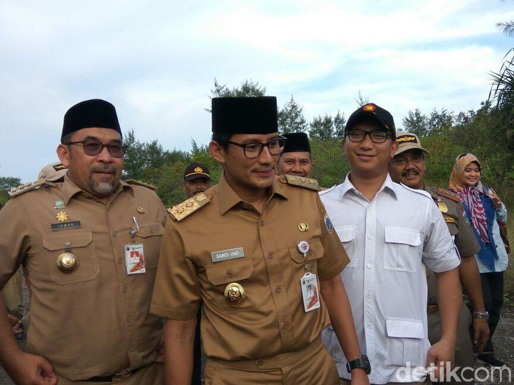 Sandiaga akan Lapor Jokowi soal Revitalisasi Lanud Pulau Panjang