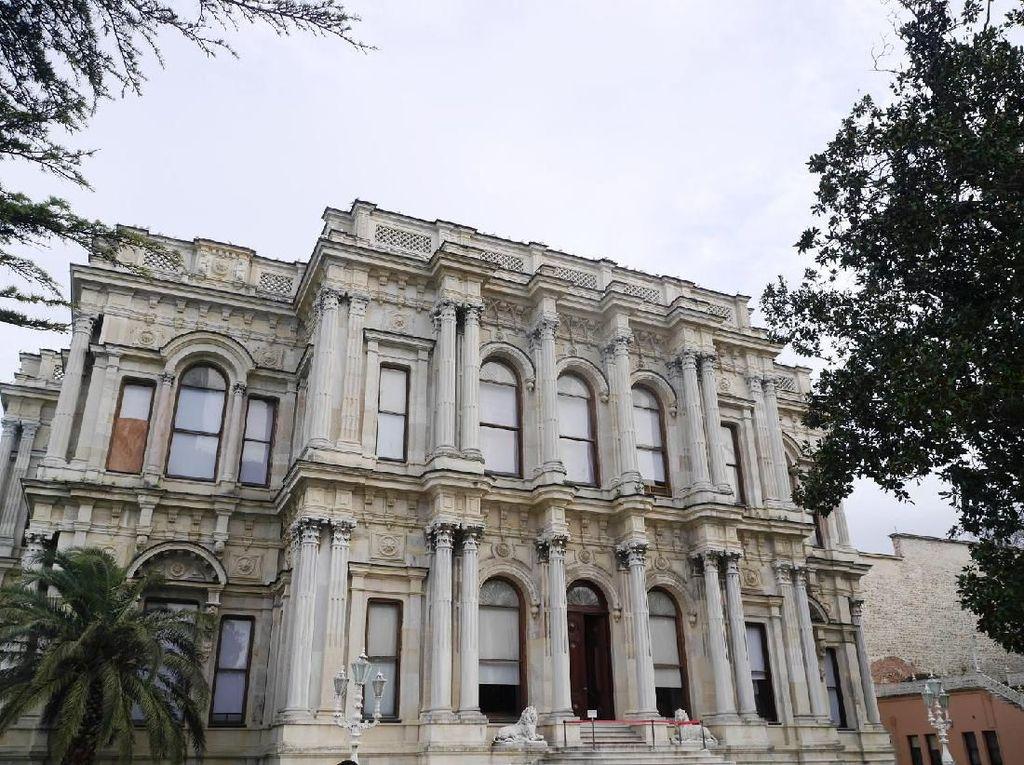 Foto: Istana Sultan Turki yang Megah di Istanbul