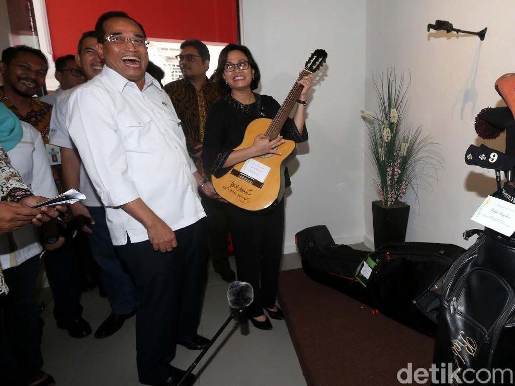 Gitar Elek Yo Band Budi Karya Laku Rp 20 Juta