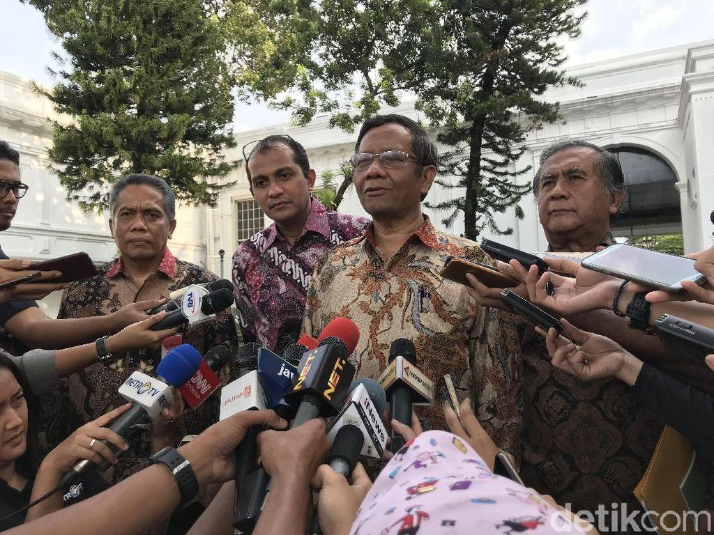 Mahfud MD Dkk Beri Masukan soal Pasal Penghinaan Presiden ke Jokowi