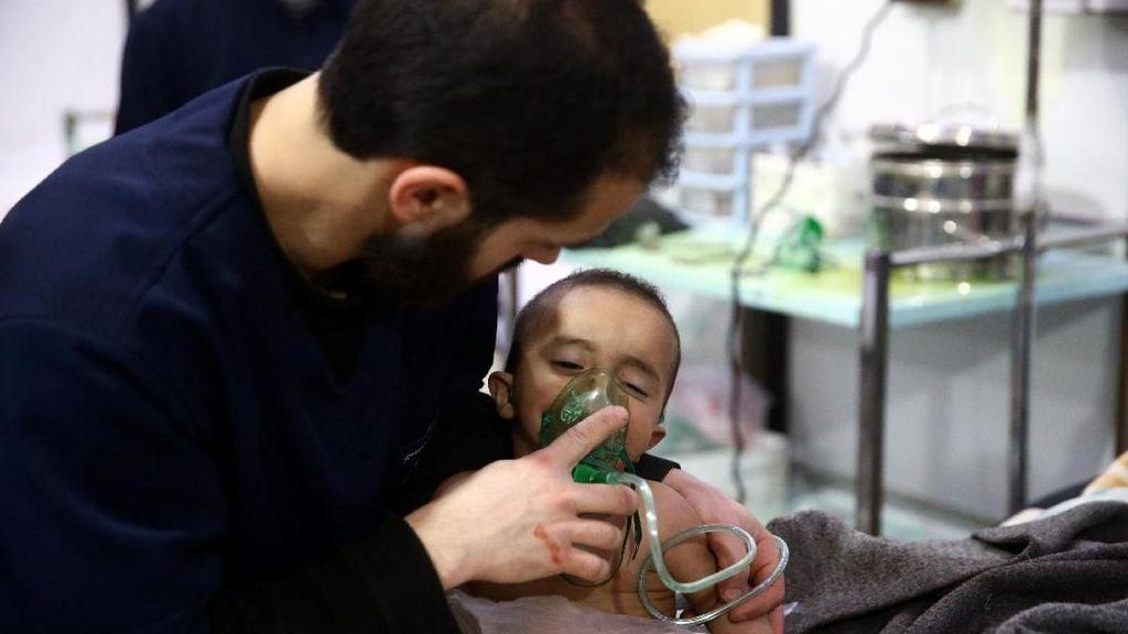 Douma Dibom Rezim Suriah, Sejumlah Warga Sesak Napas