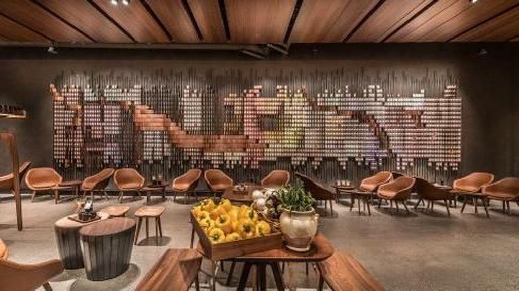 Melihat Gerai Starbucks yang Punya Bakery dan Bar di Seattle