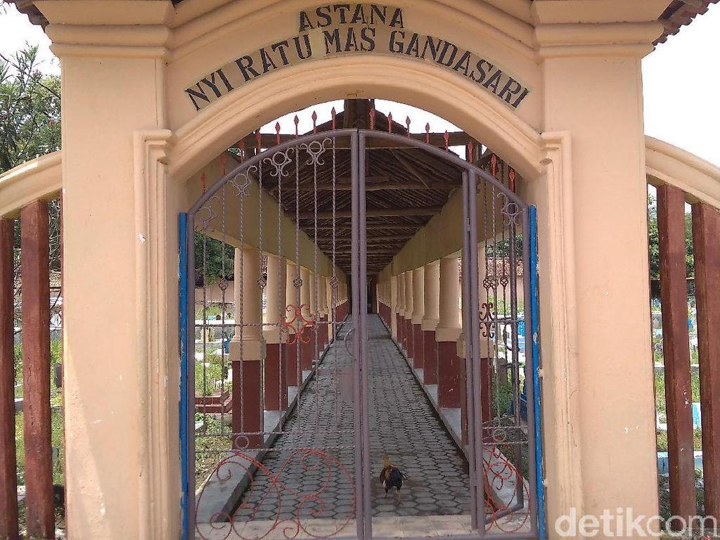 Foto: Makam Perempuan Cantik, Sakti dan Penyebar Islam di Cirebon