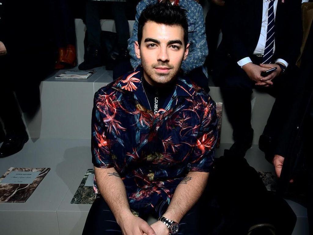 Joe Jonas Umumkan Nikahi Sophie Turner di Tahun Ini