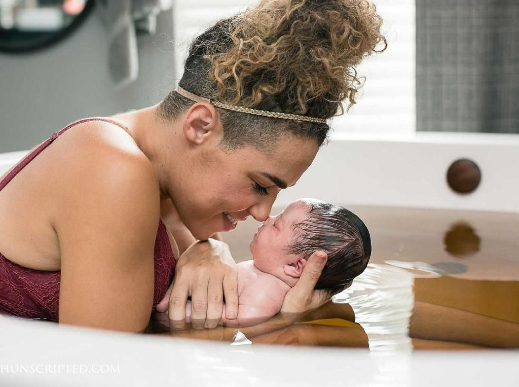 Potret Indah Keluarga Sambut Kelahiran Bayi dengan Down Syndrome