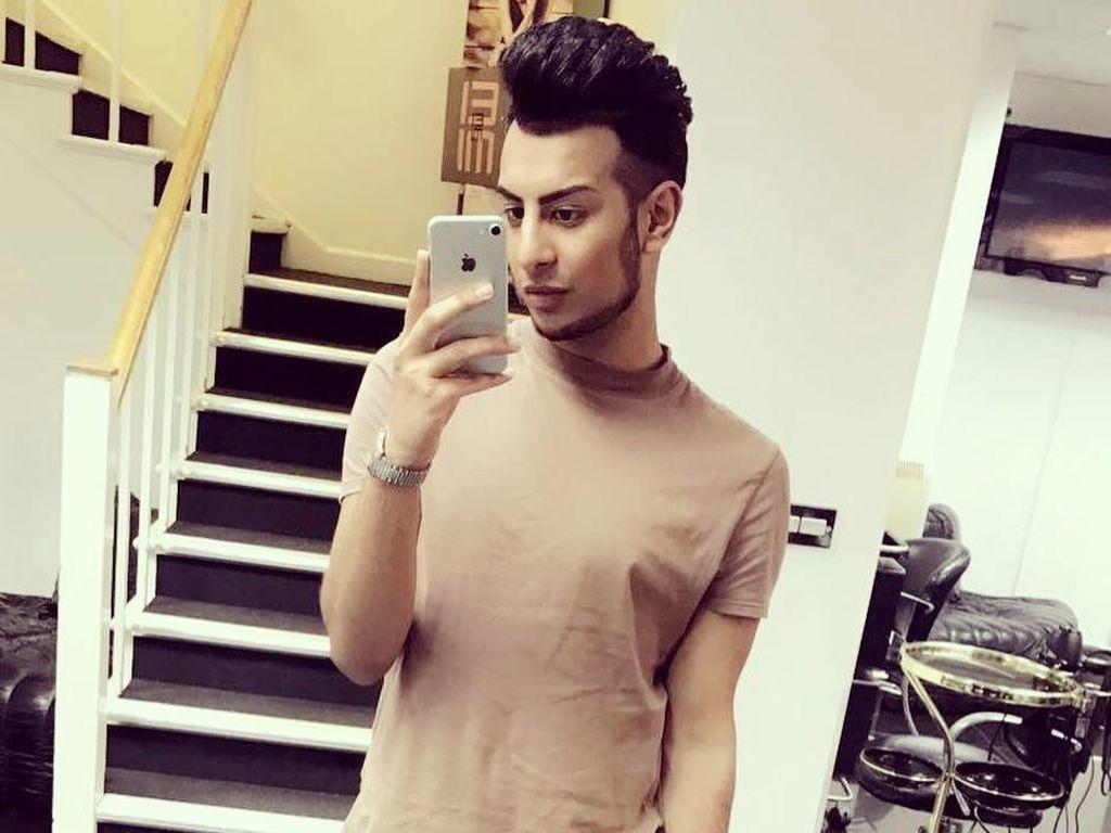 Foto: Ini Junaid Ahmed yang Hobi Selfie 200 Kali Sehari