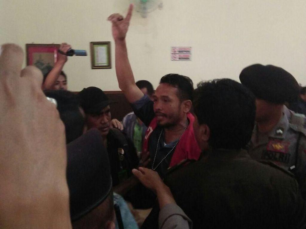 Terdakwa Ujaran Kebencian di Banyuwangi Divonis 4 Bulan Bui