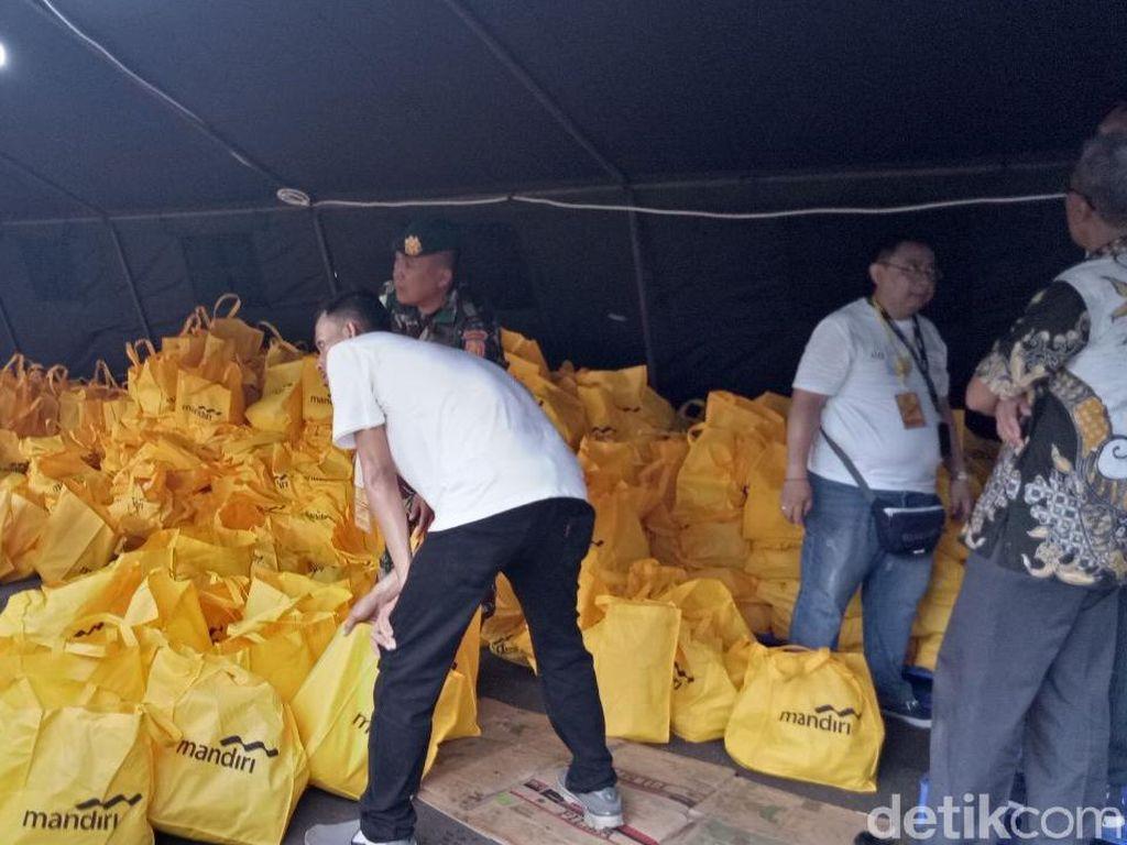 HUT Ke-57 Kostrad, 7.500 Paket Sembako Dibagi ke Prajurit dan Warga
