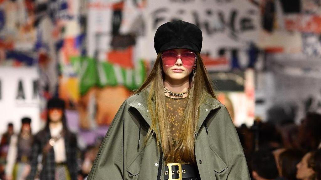 Foto: Protes dan Spirit Feminisme di Koleksi Busana Terbaru Dior