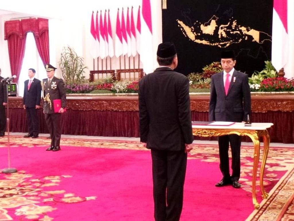 Jokowi Resmi Lantik Irjen Heru Winarko Jadi Kepala BNN