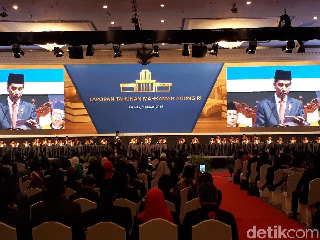 Jokowi Minta Pimpinan MA Bina Hakim Muda agar Bersikap Adil