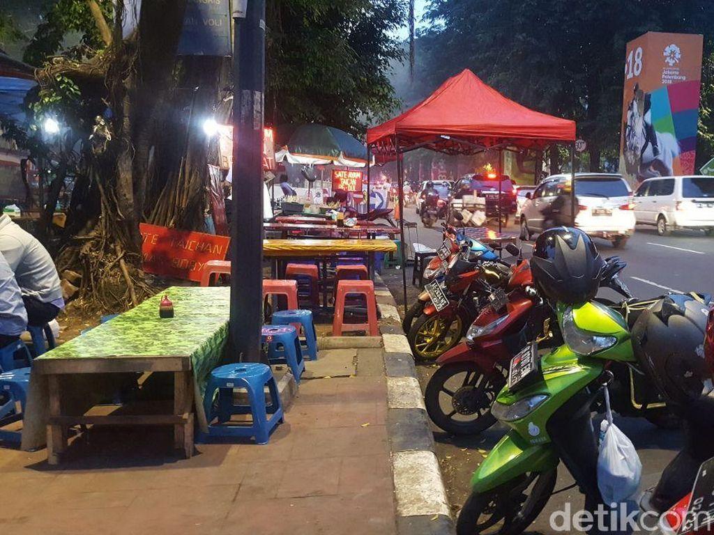 Syarat Berdagang di Trotoar Sudirman-Thamrin