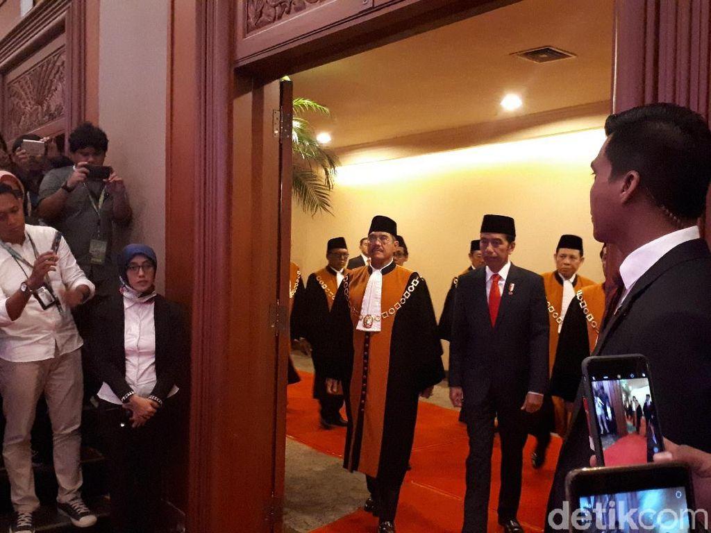 Presiden Jokowi Hadiri Laporan Tahunan MA