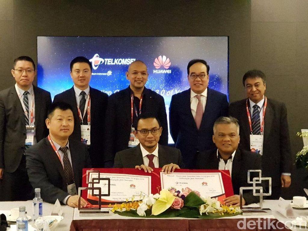 Telkomsel dan Huawei Kolaborasi Bikin Internet 4G Makin Ngebut