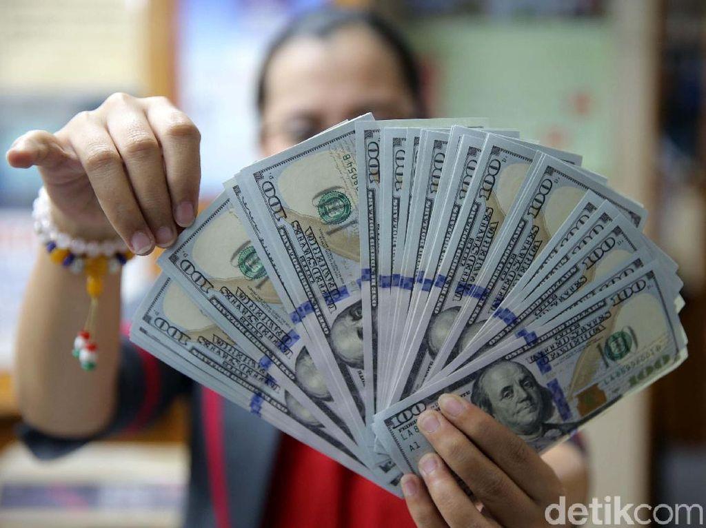 Jelang Pengumuman Nama Menteri Jokowi, Dolar AS Stuck di Rp 14.027