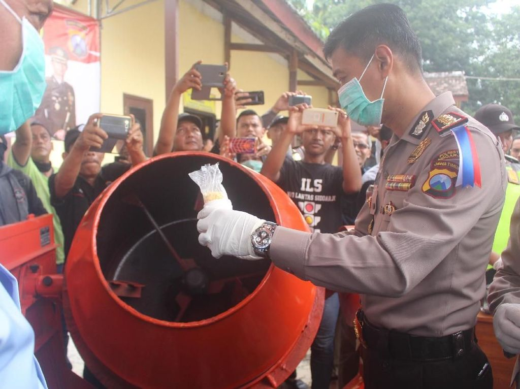 5.395 Butir Pil PCC Dimusnahkan, Dicampur Semen Dibuang ke Tanah