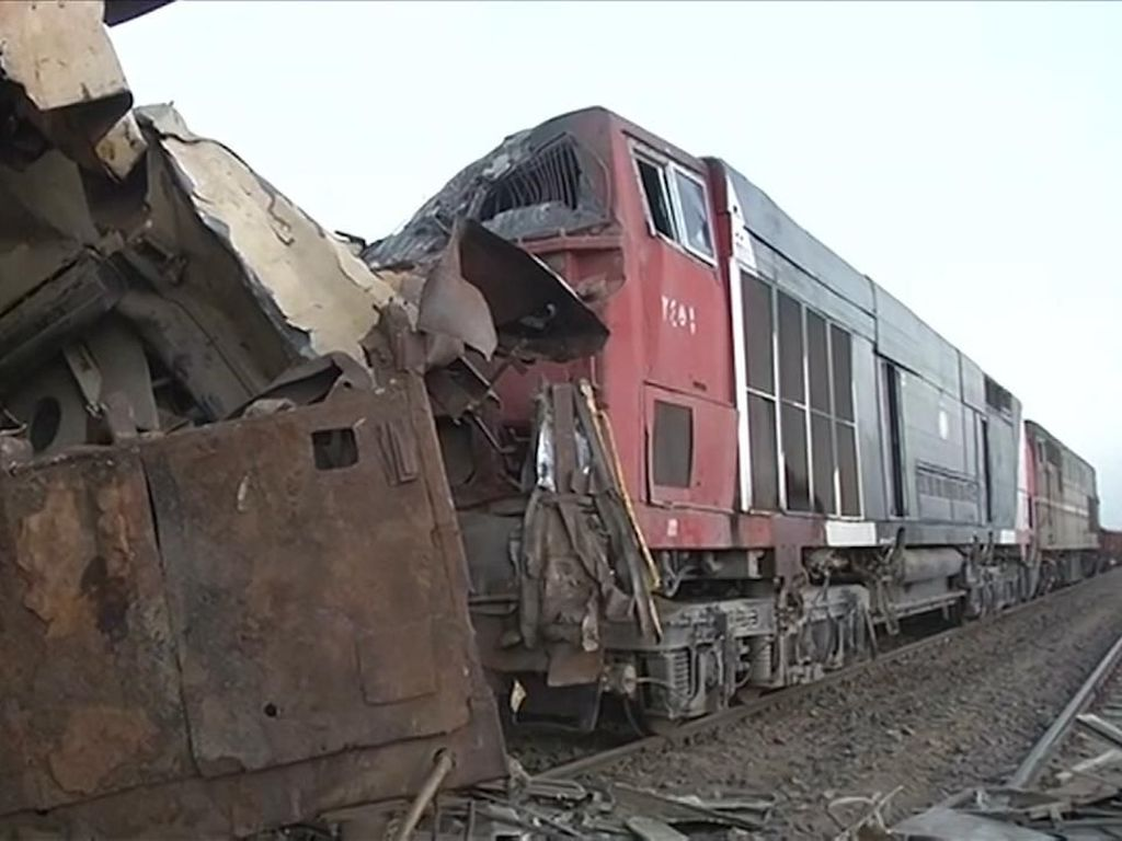 Kereta Api di Mesir Tergelincir, 11 Orang Tewas-98 Luka-luka