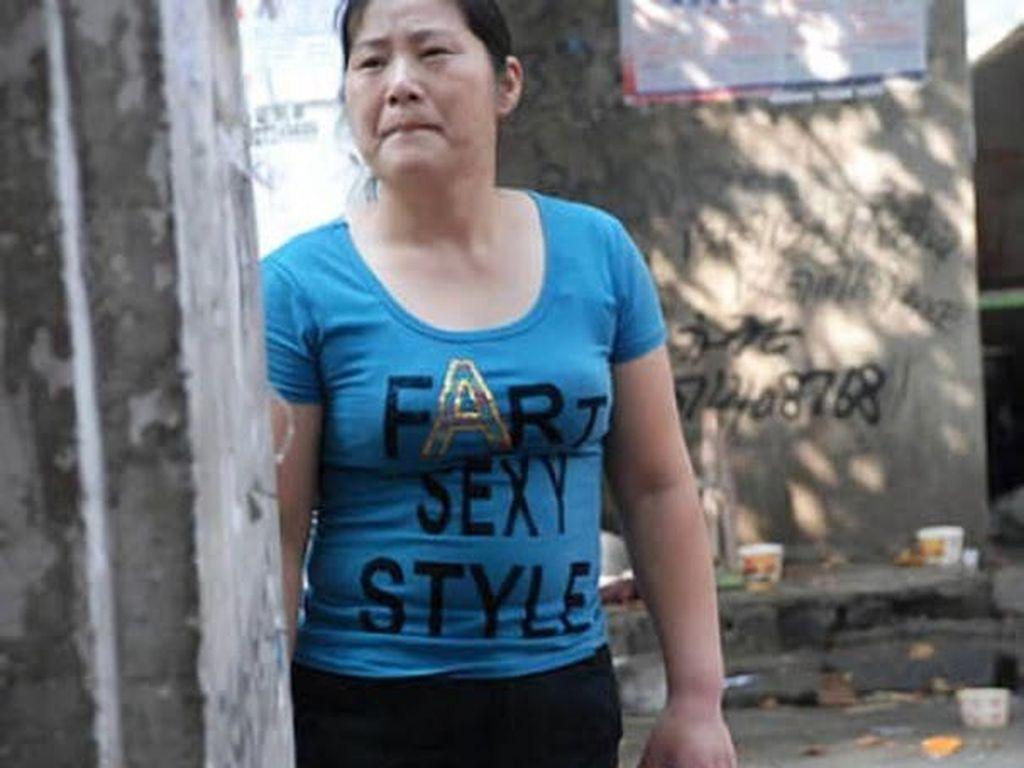 Kocak, 13 Orang Ini Pakai Kaus Bertulisan Bahasa Inggris Tanpa Tahu Artinya