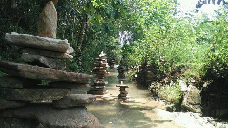 Batu bersusun di Desa Argodadi, Sedayu Bantul (Usman Hadi/detikcom)