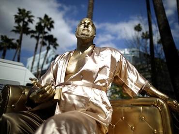Hal tersebut sebagai bentuk aspirasinya atas kasus yang menimpa industri film dan kaum hawa. REUTERS/Lucy Nicholson.