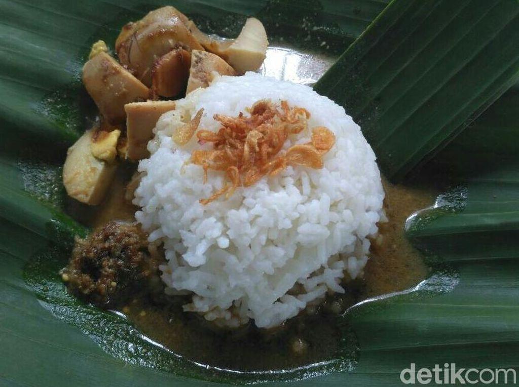 Nikmat! Kuliner Sego Gandul di Purworejo Ini Gratis Tiap Jumat