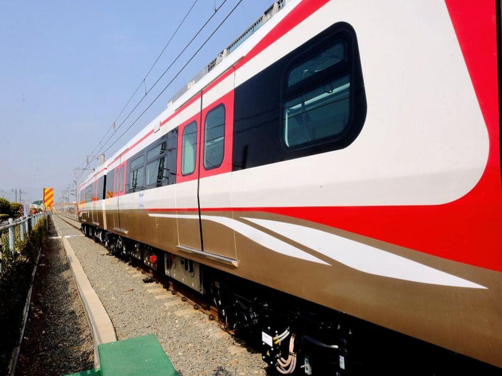 Asyik! Juni Nanti, Warga Jakarta Sudah Bisa Lihat LRT Lalu-lalang