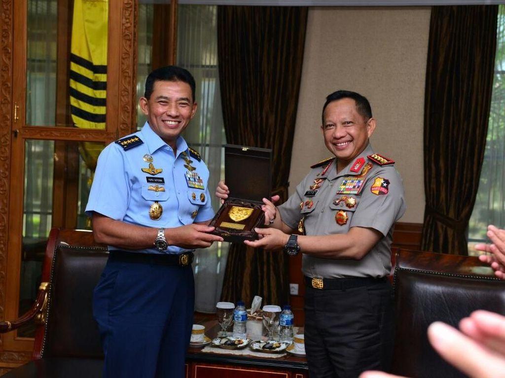 Kapolri-KSAU Bertemu, TNI AU Siap Pinjamkan Pesawat Bantuan Pemilu