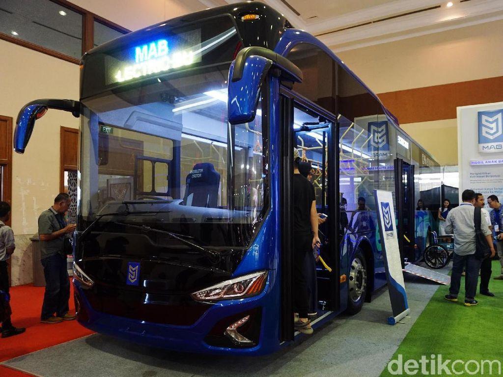 Bus Listrik Mobil Anak Bangsa Jual Unit Pertamanya
