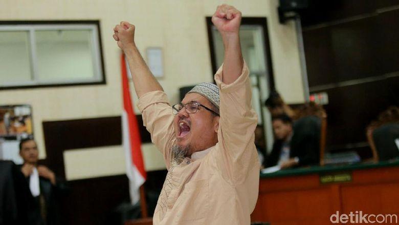 Terbukti Bersalah, Jonru Divonis 1,5 Tahun Penjara