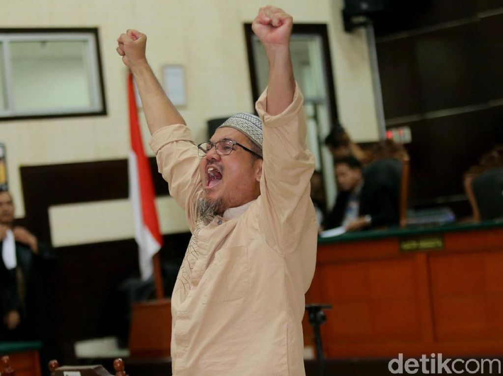 Foto: Terbukti Bersalah, Jonru Divonis 1,5 Tahun Penjara