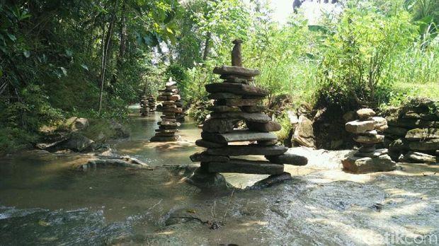 Batu bersusun di Sedayu Bantul
