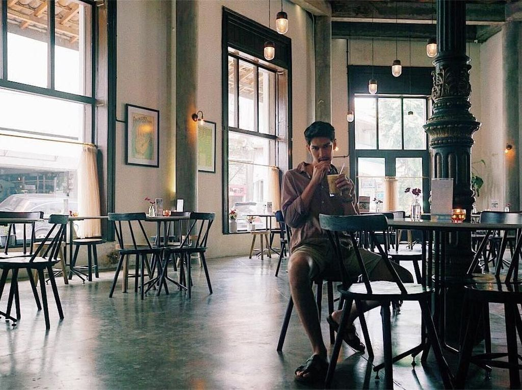 Selain Doyan Kulineran, Dimas Beck Ternyata Juga Bisa Masak Lho! Penasaran?
