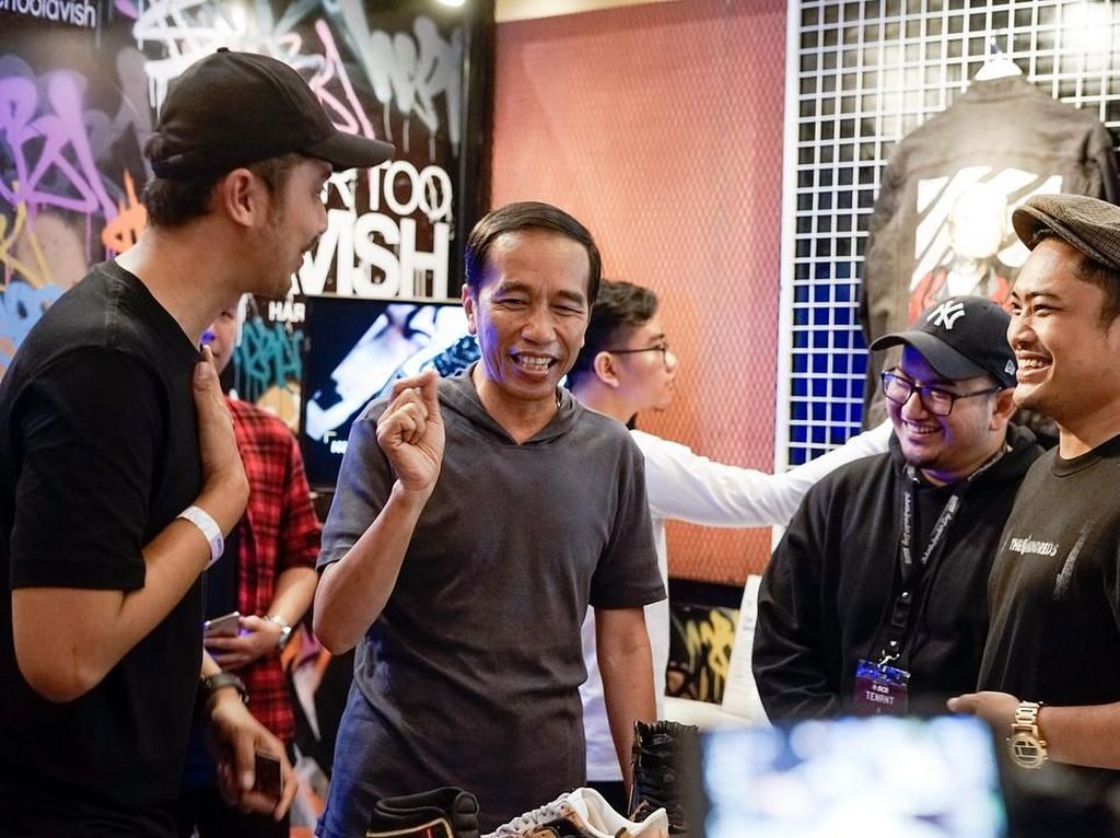 Cerita Pemilik Workshop Soal Jaket Rp 4 Juta yang Dipesan Jokowi