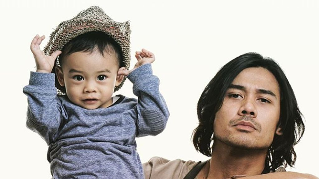Foto-foto Ini Tunjukkan Chicco Jerikho Sudah Cocok Jadi Ayah