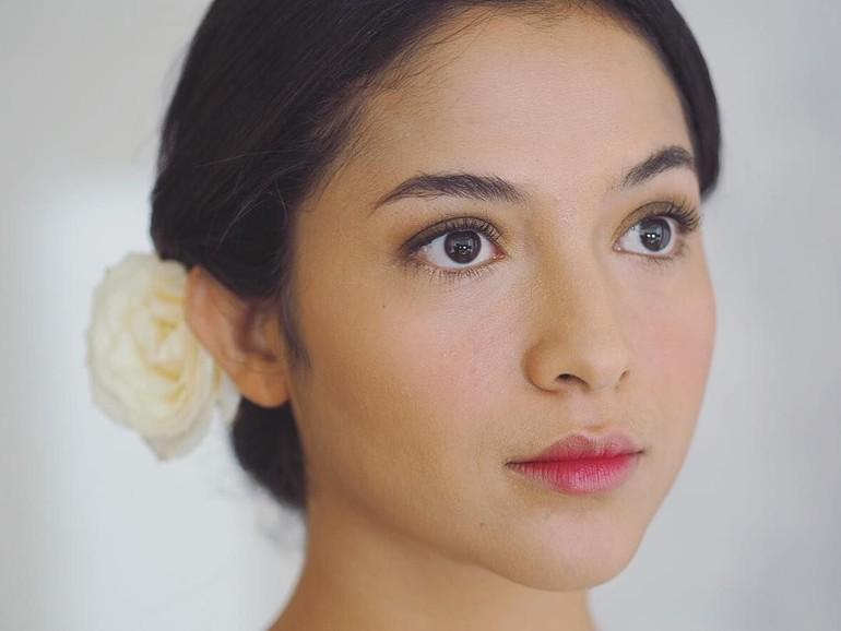Foto 7 Artis Dengan Makeup Pengantin Yang Natural Tapi