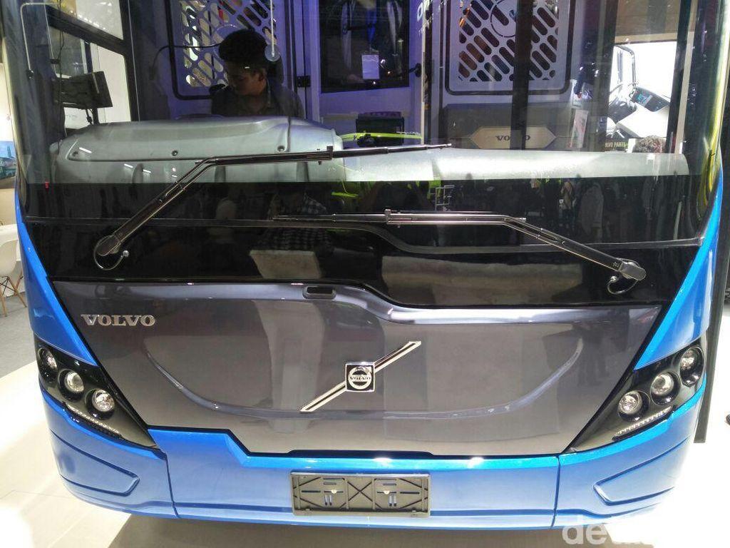 Masyarakat Jakarta Segera Nikmati Bus TransJakarta dari Swedia