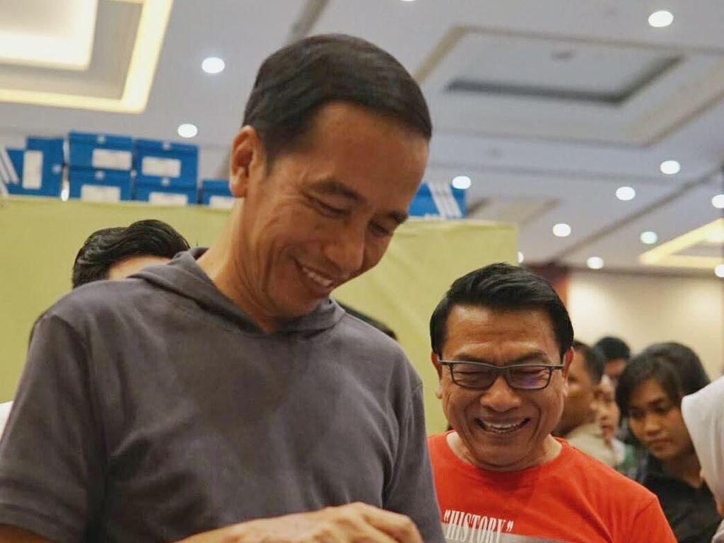 Ini Koleksi Sneakers Jokowi, Dulu Harga Jutaan Kini Ratusan Ribu Rupiah