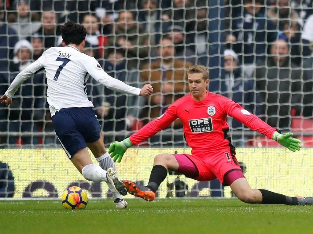 Tottenham Sementara Memimpin 1-0 atas Huddersfield