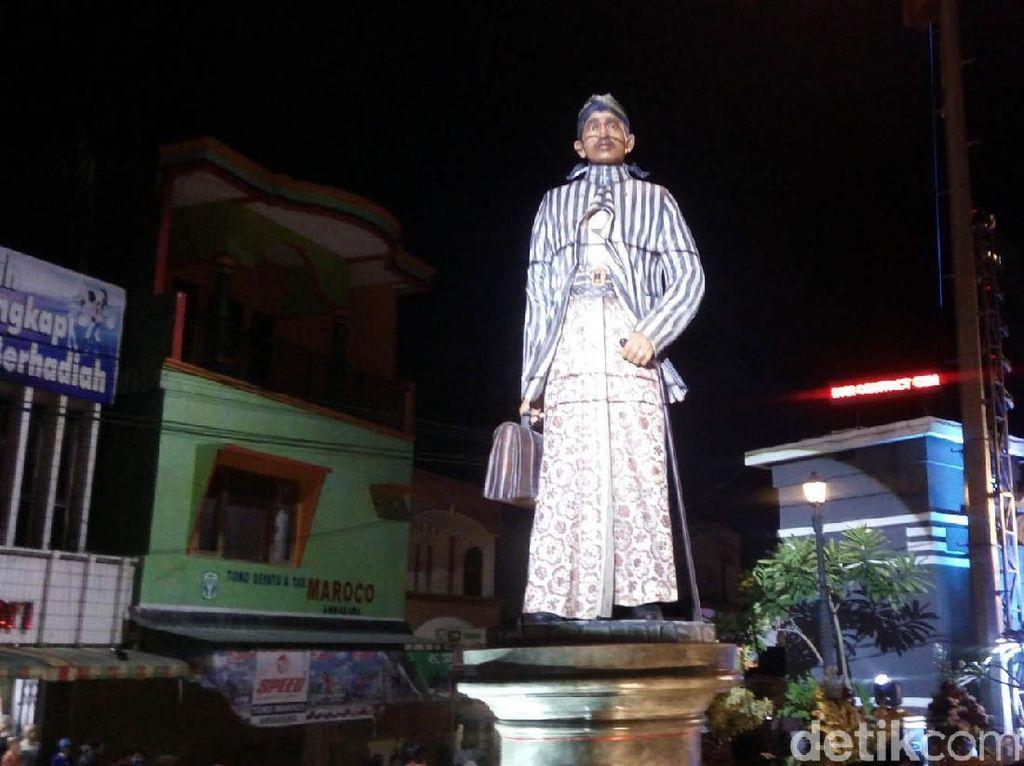 Patung dr Tjipto Mangoenkoesoemo Berdiri Megah di Ambarawa