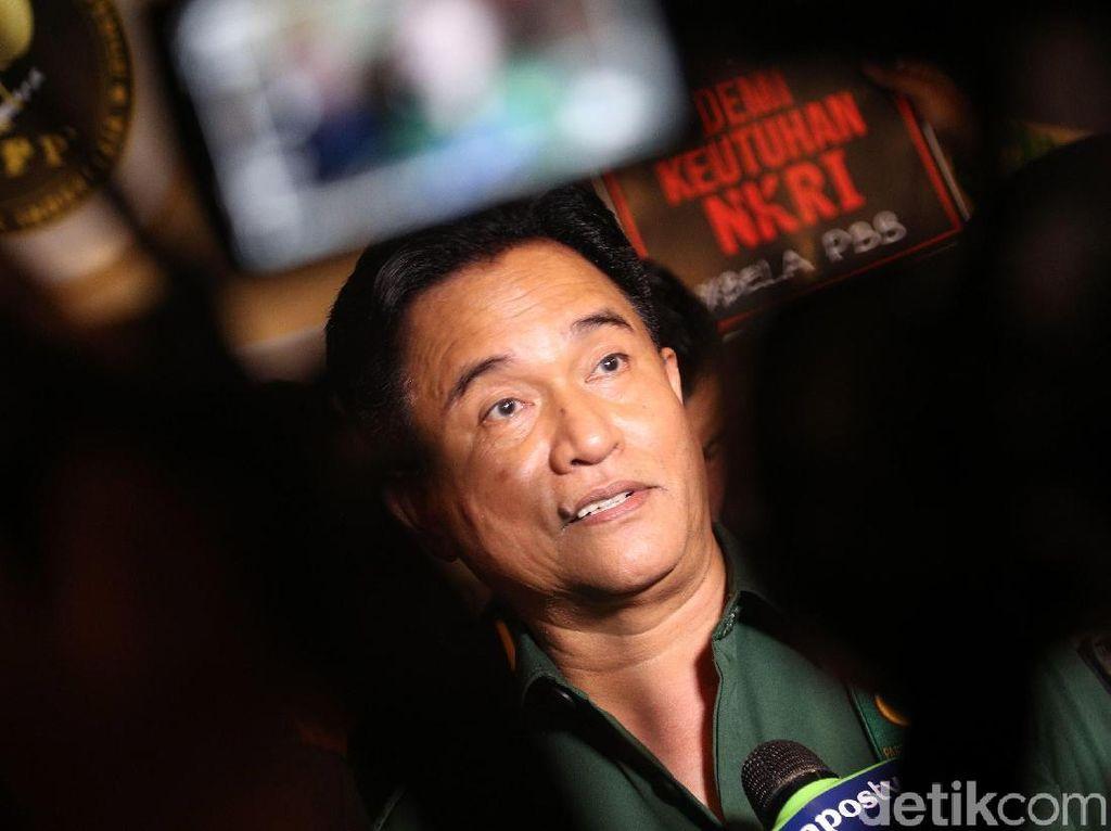 Ke DPR, Yusril Kembali Ungkit Baju Kotak-kotak Jokowi