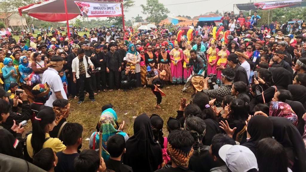 Ribuan Warga Nikmati Pentas Budaya Sunda