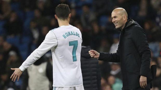 Zinedine Zidane akhirnya mengomentari kemungkinan Neymar bermain dengan Cristiano Ronaldo. (